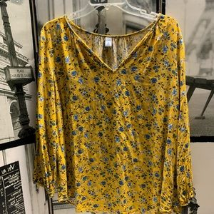 Old Navy floral pullover blouse